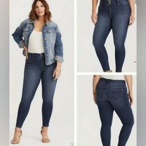 TORRID Skinny Jeans 18R